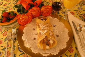 Rolled-up Pancake with Yoghurt Apples and Raisins